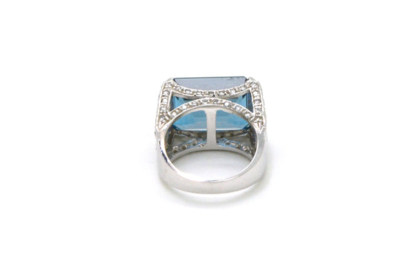 14k White Gold Blue Topaz & Diamond Cocktail Ring - 17.50 ct. total - Size 7.75