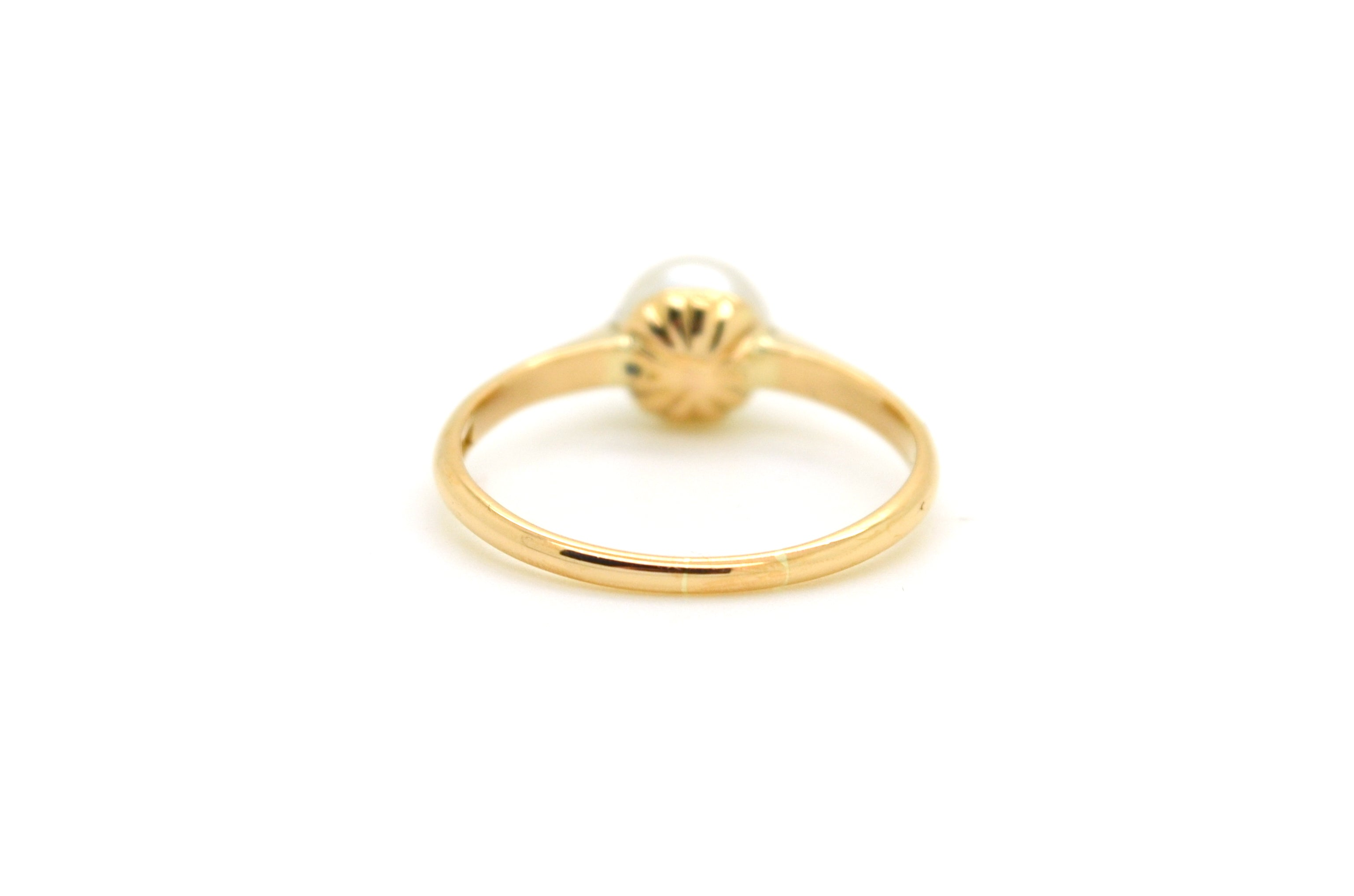 Vintage 18k Yellow Gold 6.5 mm Round White Pearl Solitaire Ring - Size 6