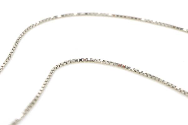 14k White Gold Round Diamond Journey Pendant Necklace - .50 ct. total - 18 in.
