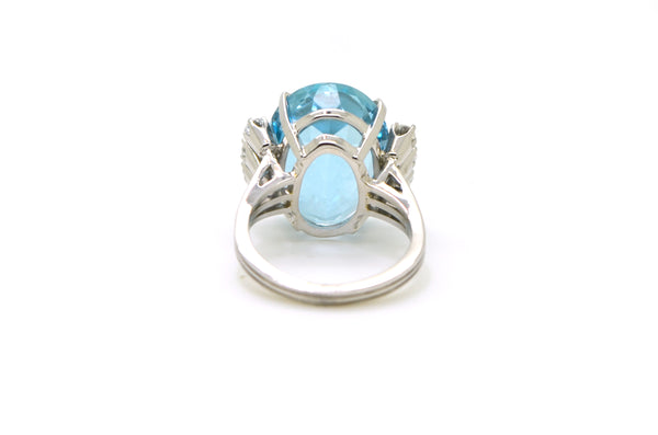 Vintage 18k White Gold Aquamarine Diamond Cocktail Ring - 12.86 ct. tw - Size 6