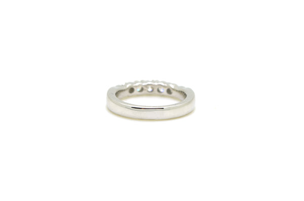 14k White Gold 5-Stone Round Diamond Band Ring - .75 ct. total - Size 6.75