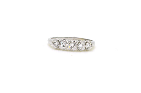 14k White Gold 5-Stone Round Diamond Band Ring - .50 ct. total - Size 8.25