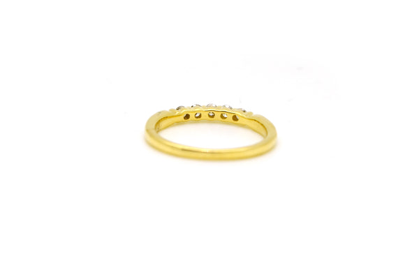 14k Yellow Gold Round Diamond 5-Stone Band Ring - .25 ct. total - Size 6.75