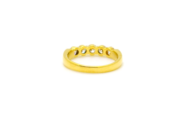 18k Yellow Gold Round Diamond Five-Stone Band Ring - .75 ct. total - Size 6.25