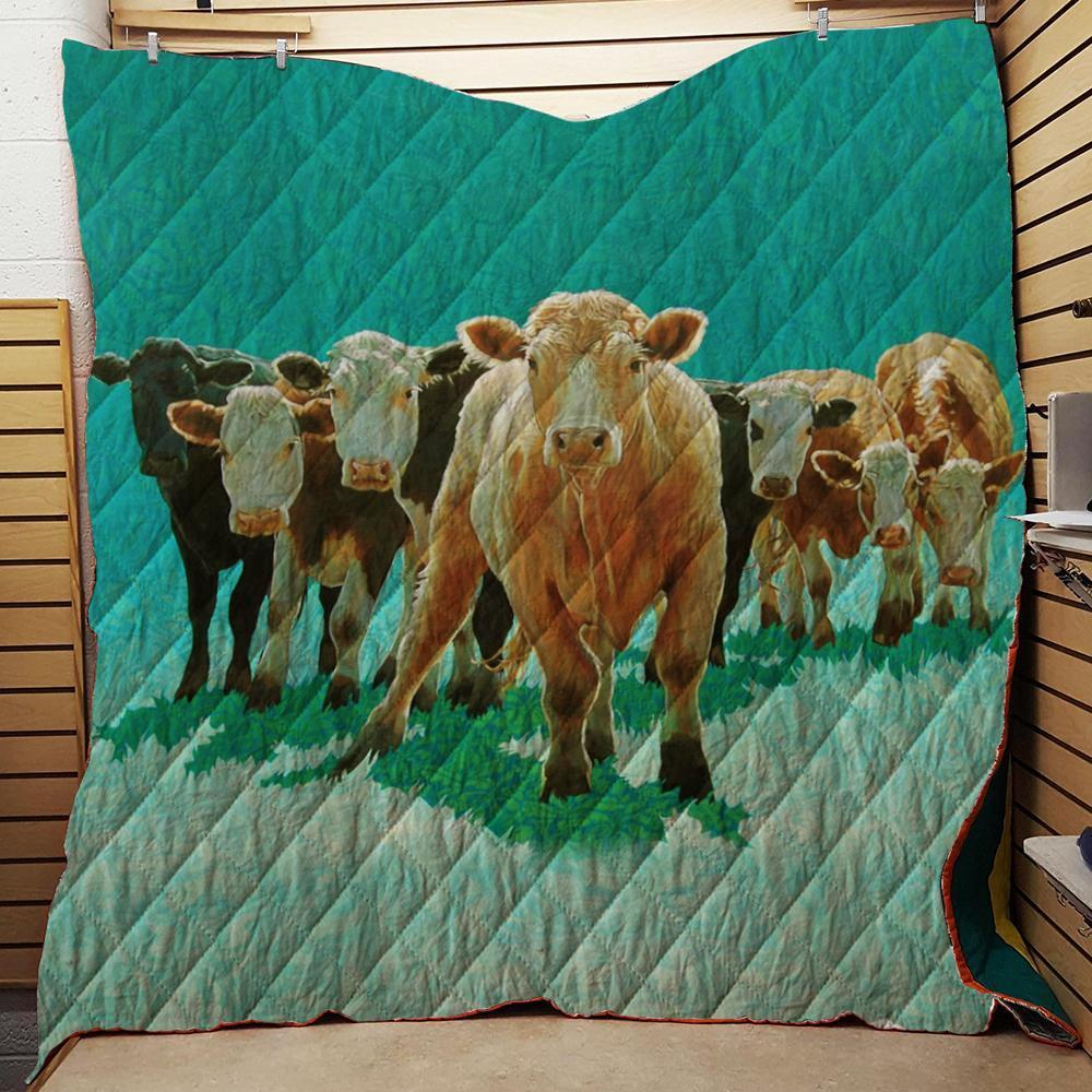 Picture Farmer Cow Loves Quilts