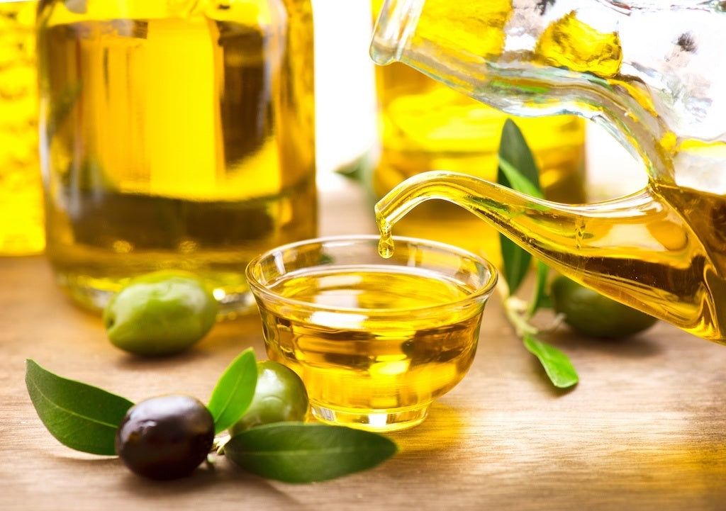 Learn About The Consumption of Extra Virgin Olive Oil Through The Med Diet