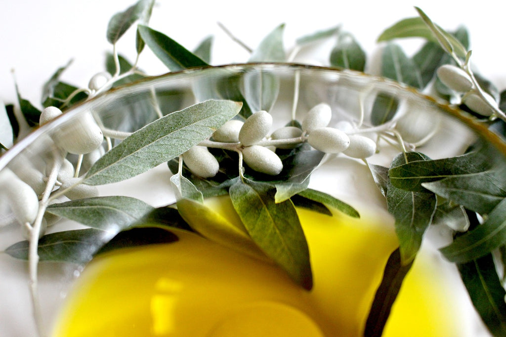 4 Great Health Benefits That Olive Oil Comes In Handy With