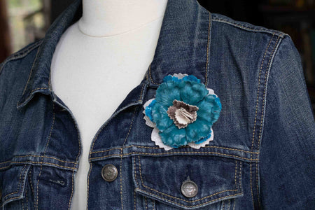 Flower Pin Brooch - Teal And White