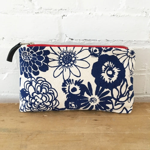Canvas Bag with zipper and navy blue flowers