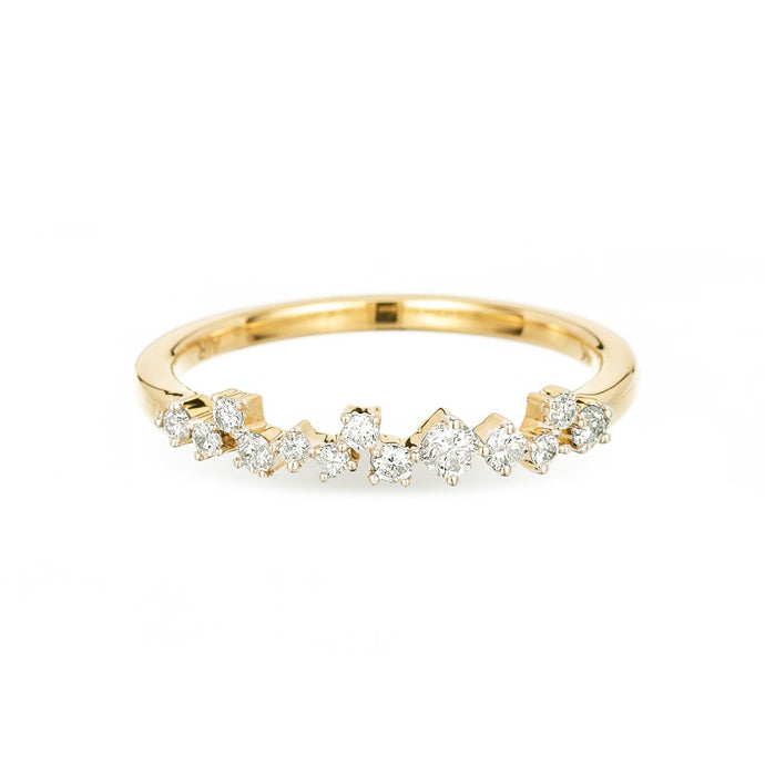 14 karat gold ring with scattered diamonds