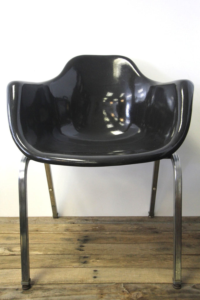 1960s Krueger Fiberglass Shell Arm Chair