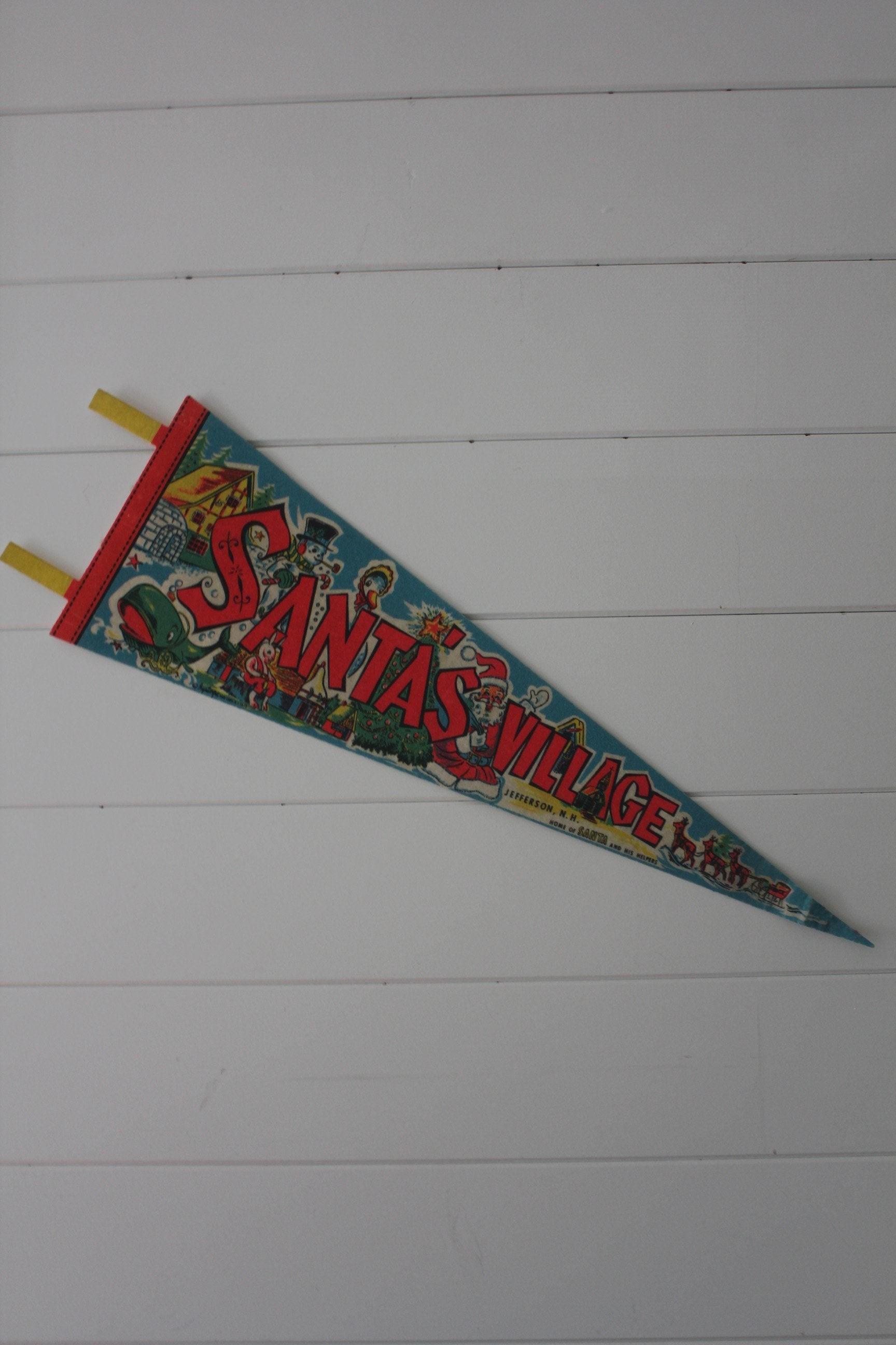 70s Santa's Village Pennant - Diamonds & Rust
