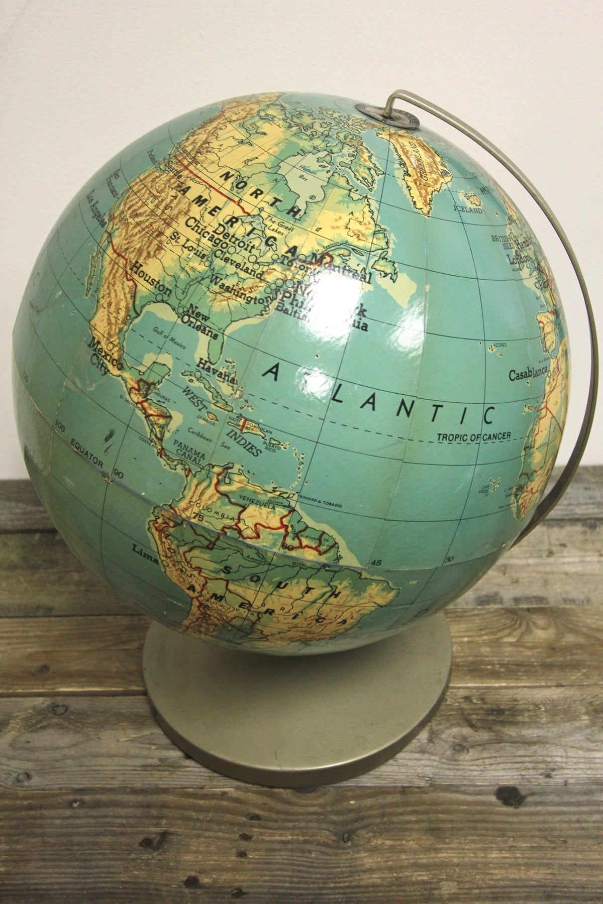 "1950s Weber Costello 16"" Globe - Diamonds & Rust"