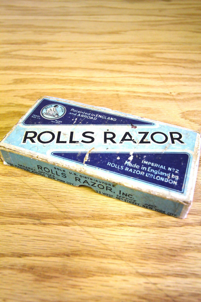 Vintage Rolls Razor Travel Set