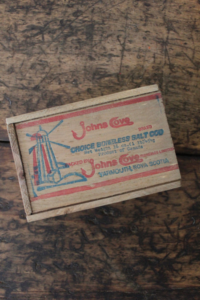 John's Cove Fish Box - Diamonds & Rust