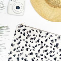OLIVIA Clutch in Grey Leopard / Laptop Case