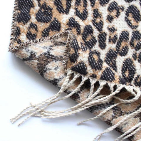 products/scarf-leopard-print-large.jpg