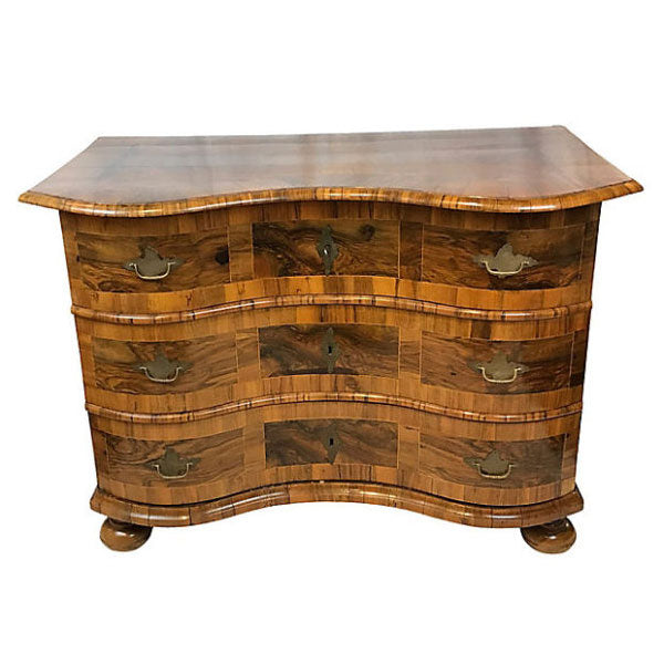French-Serpentine-Commode-600x408