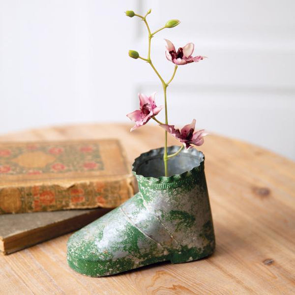 Rusty Boot Planter - Countryside Home Decor