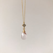 Load image into Gallery viewer, Pink Quartz Gold Necklace