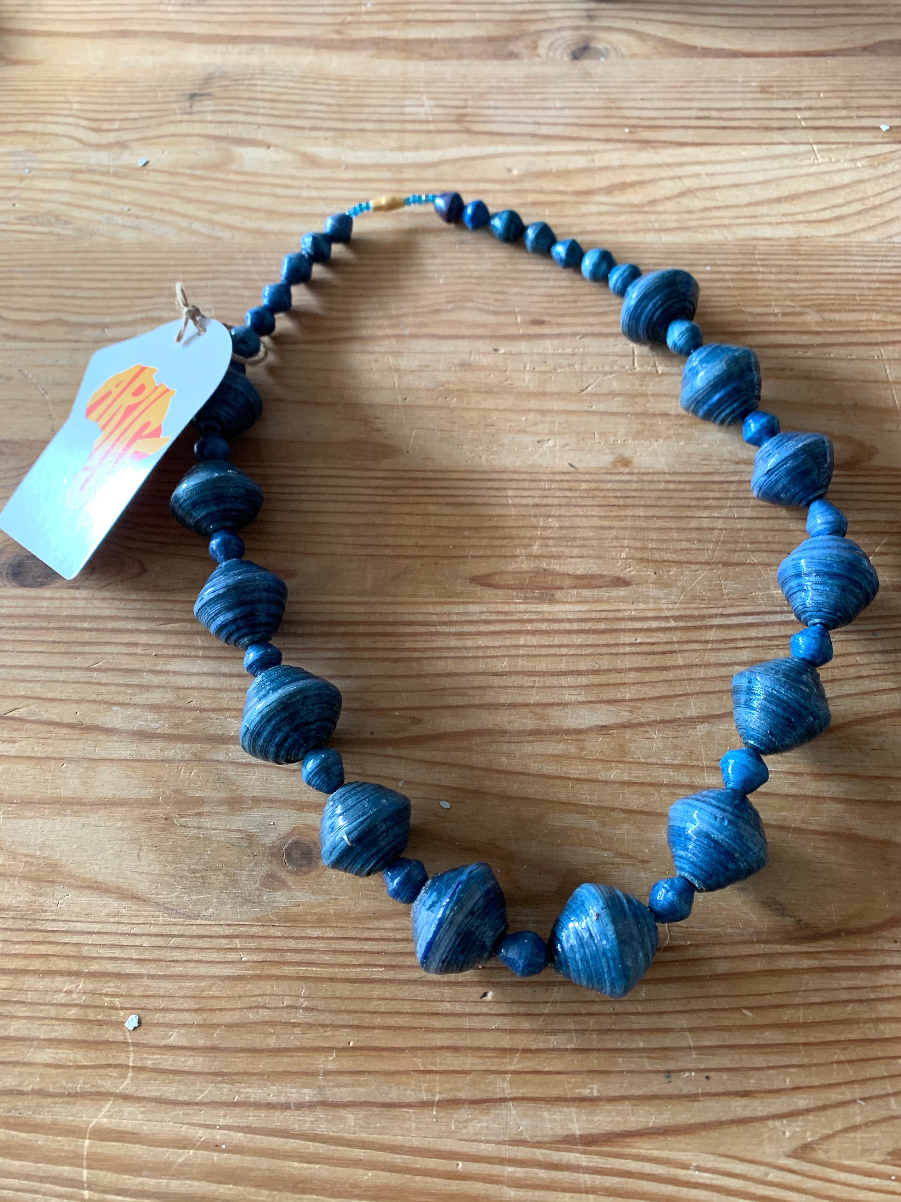 Chunky bead Short Necklace