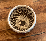 Load image into Gallery viewer, Small Woven Bowls