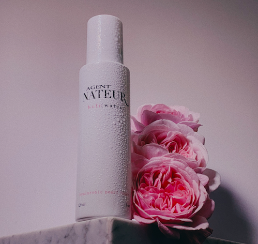 H O L I ( W A T E R ) PEARL AND ROSE HYALURONIC TONER