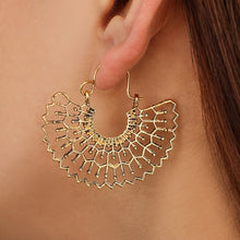 Load image into Gallery viewer, Stunning Honeycomb Geometric Filled Hoop Earrings