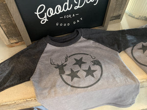 Barn buck and bass raglan