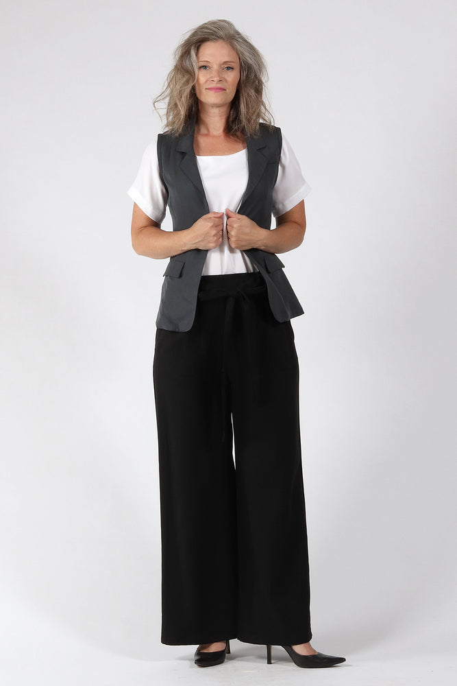 Aria Vest - Grey - front view - Lennard Taylor