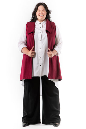 MELVA vest - merlot - front view on model - Lennard Taylor