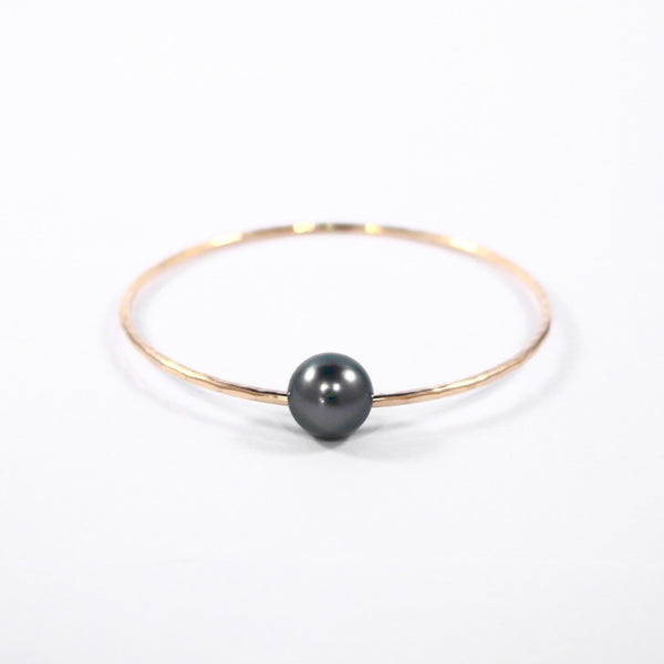 Black Beauty (Tahitian Pearl Bangle)