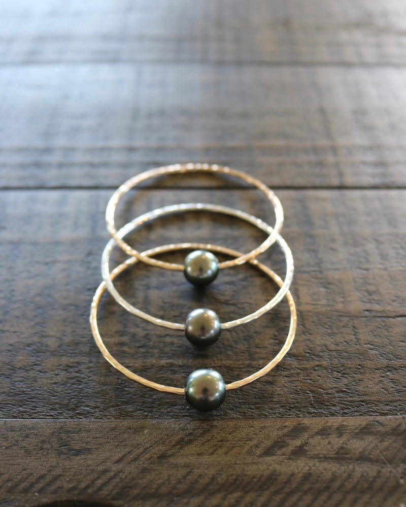 Black Tahitian Pearl Bangle, by Keani Hawai'i