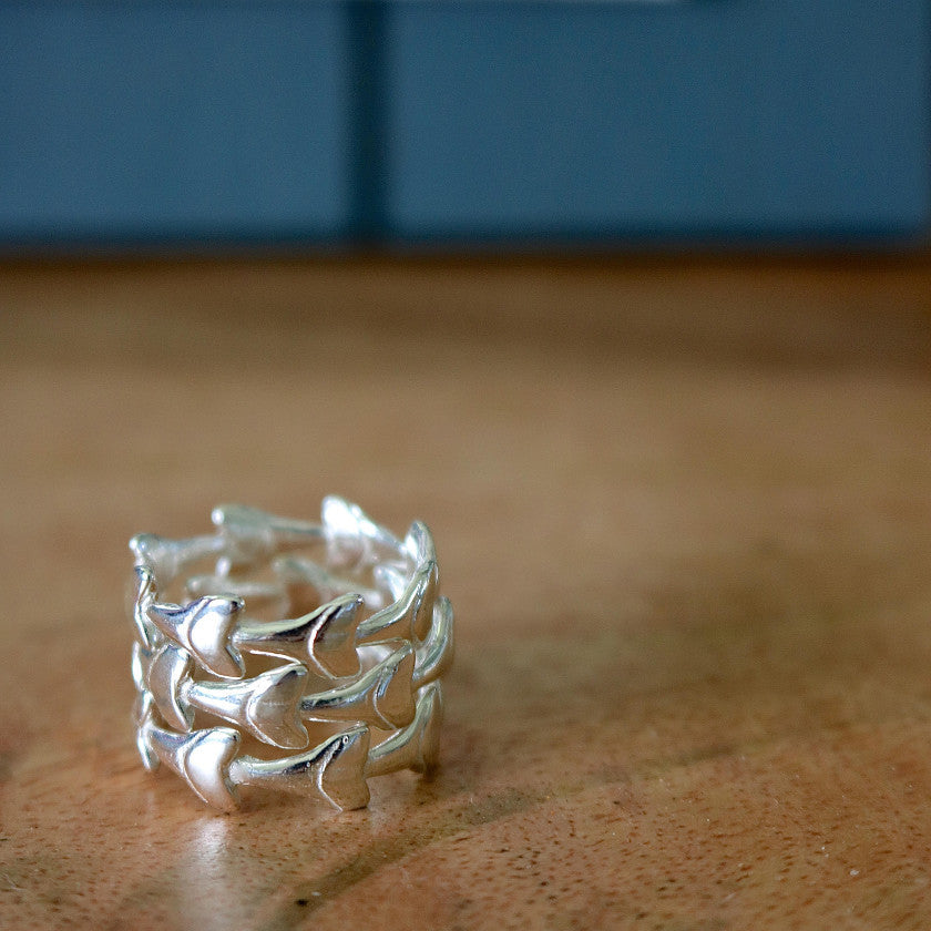 Mano Teeth Stacking Rings
