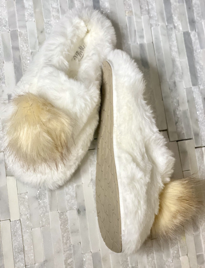 Pom Closed Toe Faux- Fur Comfort Slippers