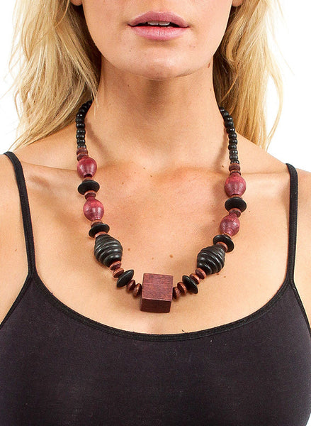 70's Wooden Geometric Necklace - Me - BeHoneyBee.com