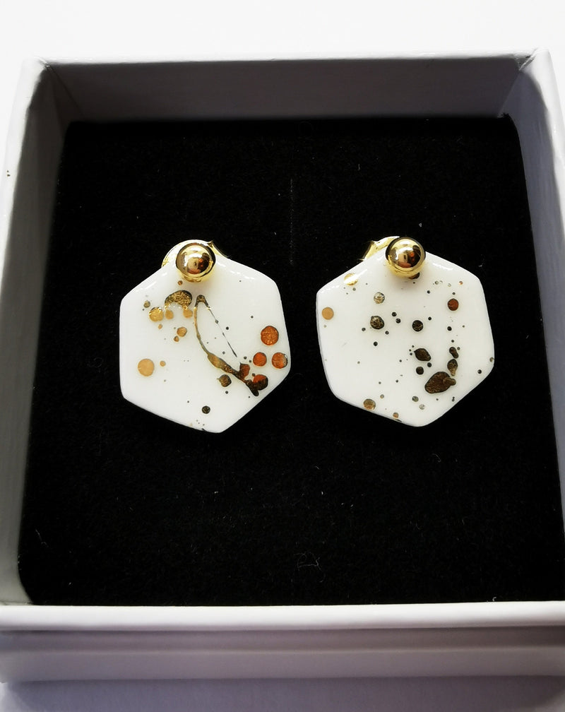 Gold splash hexagon earstuds