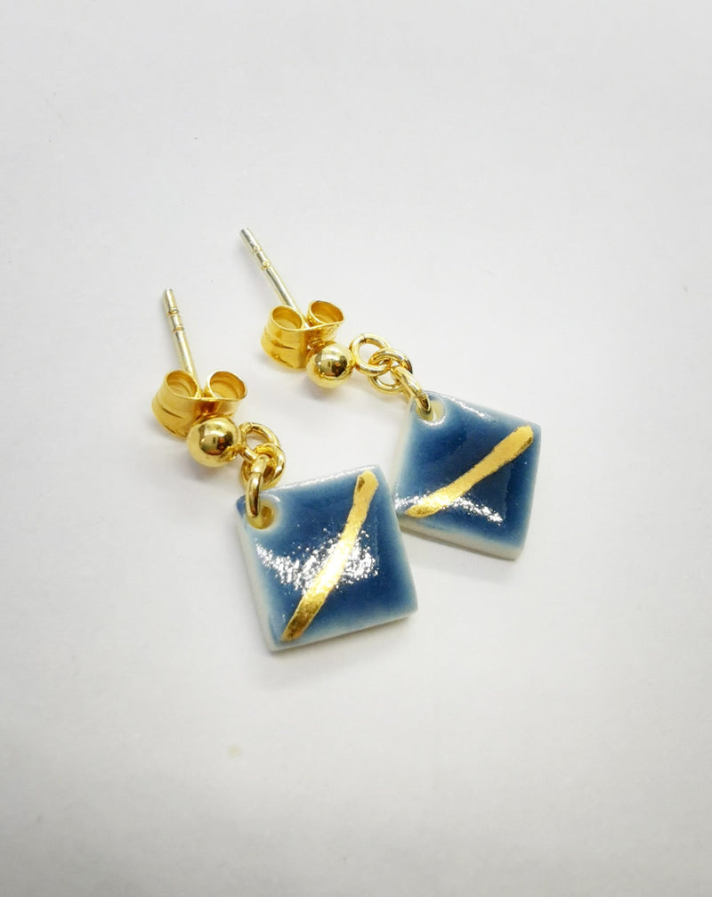 Square blue earstuds-Smykker-MEM design-noia.shop