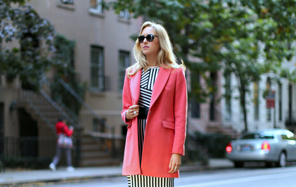 ... see winter in black and grey ! A colourful coat is the best piece to  brighten up any outfit this season. To forget about the cold 501f428f4
