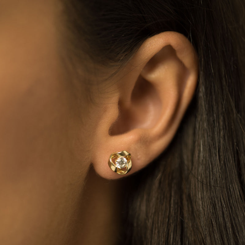 9ct.Yellow Gold cz 8.5mm Knot Earrings