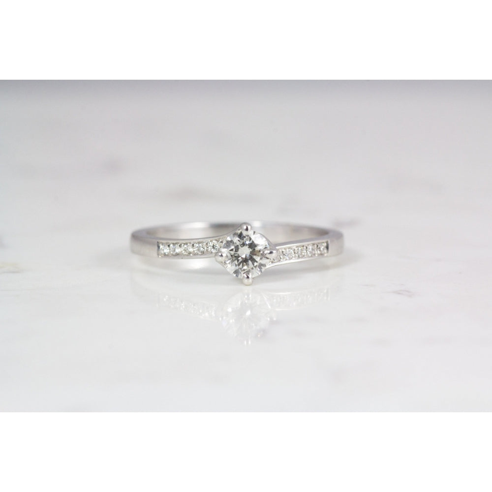 18 carat white gold twist engagement ring