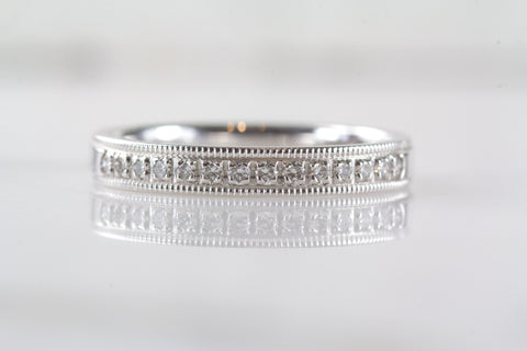 Victoria wedding band