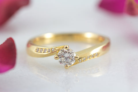 Thelma diamond engagement ring