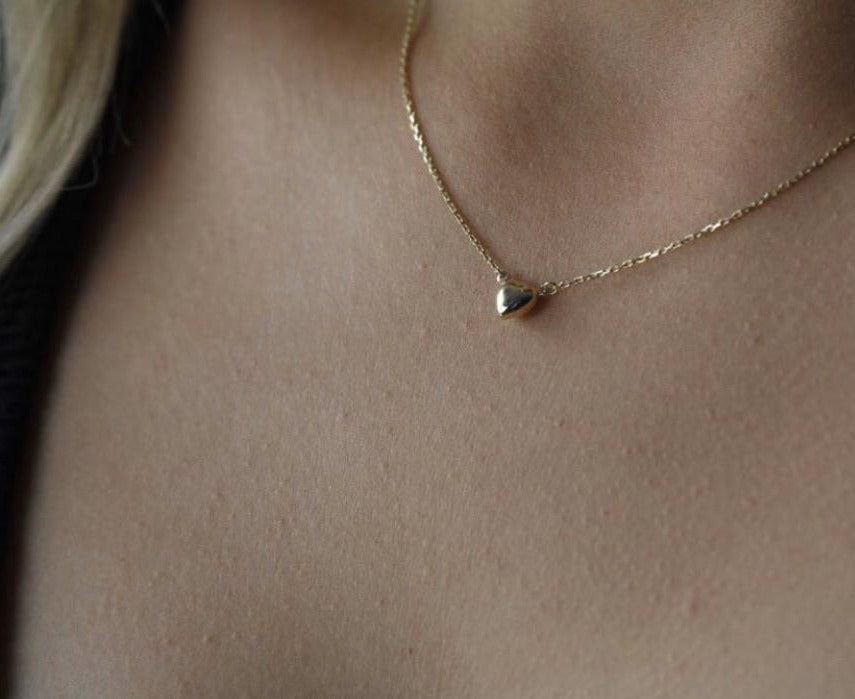 9 carat yellow gold petite heart necklace