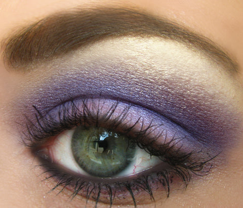Hooded eyeshadow look