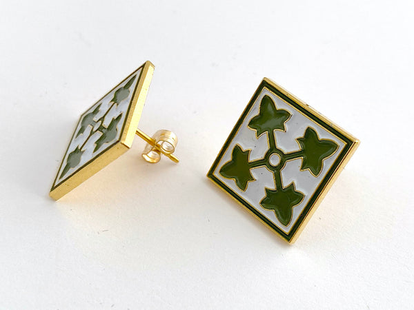 4th Infantry Division Post Earrings BR519
