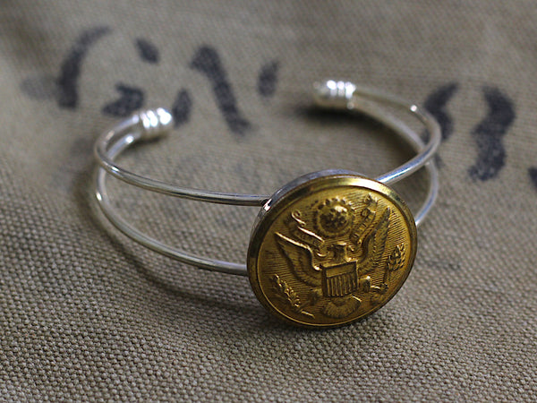 Vintage WWII US Army Button Dual Wire Bracelet