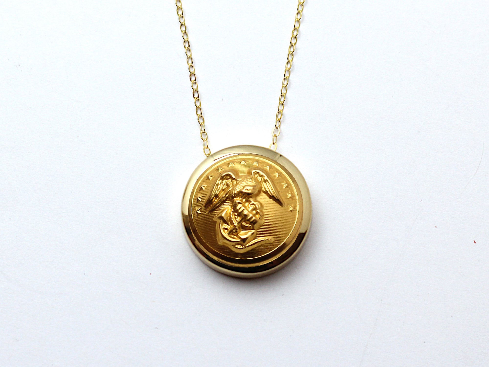 Marine Button Necklace Channel Gold Setting