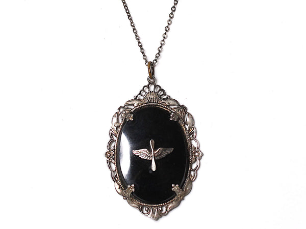 WWII-era Vintage Sweetheart Necklace | Aviation VB102