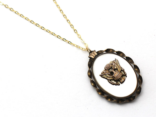 WWII-era Vintage Sweetheart Necklace | Eagle VB105